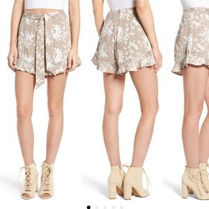 ASTR the Label Tan Floral Embroidered Shorts NWT